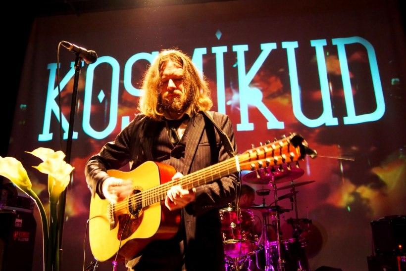 GALERII: Kosmikud andsid juubelituuril Tartus kontserdi koos Üllar Jörbergiga
