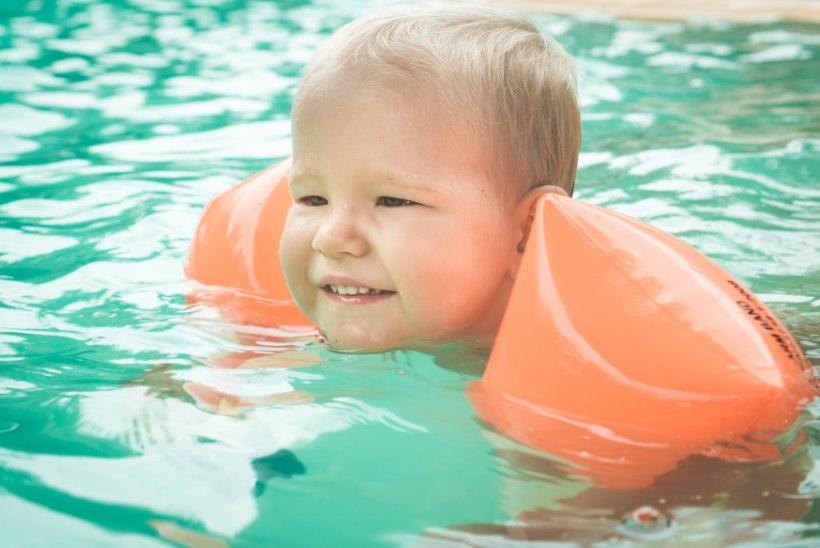 RASKE VAADATA: vastuoluline olukord, kus vees hulpivale beebile appi minema ei pea