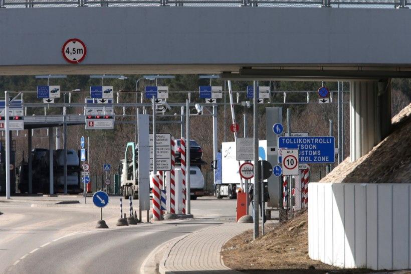 Vene veokeid Eestisse loata lasknud tolliametnik kaotas töö