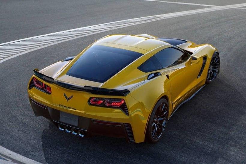 Chevrolet Corvette 2019 võib saada keskmootori