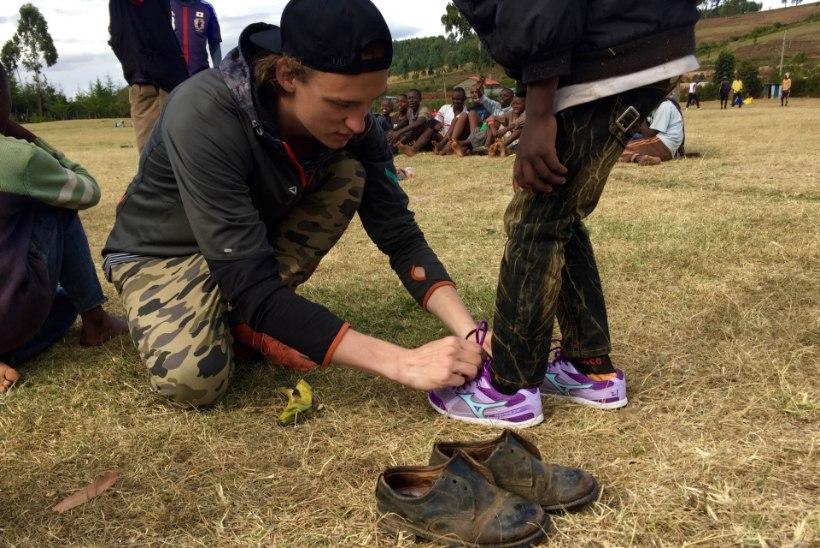 Hendrik Adler: oleksin Keenias äärepealt jõehobu õhtusöögiks saanud!