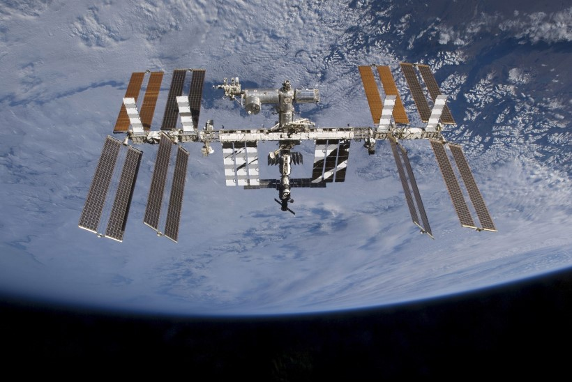 18 aastaga 100 000 tiiru ümber Maa