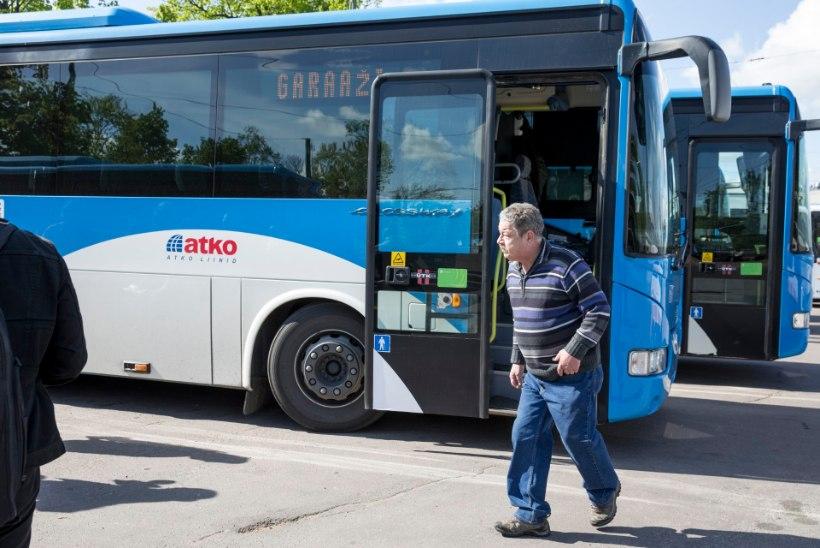 FOTOD | Bussijuhid nõudsid piketeerides palgatõusu, kuid kohal oli vaid käputäis bussijuhte