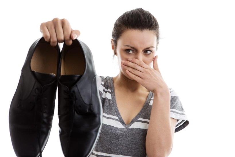 Jalanõud lõhnavad ebameeldivalt? Loe, mida peaksid tegema!