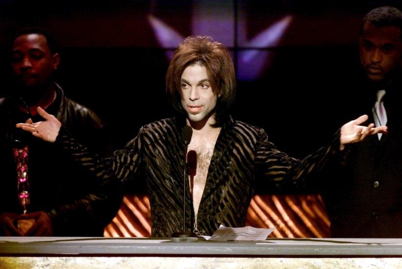 Prince võis olla surnud juba tunde enne seda, kui tema laip liftist leiti