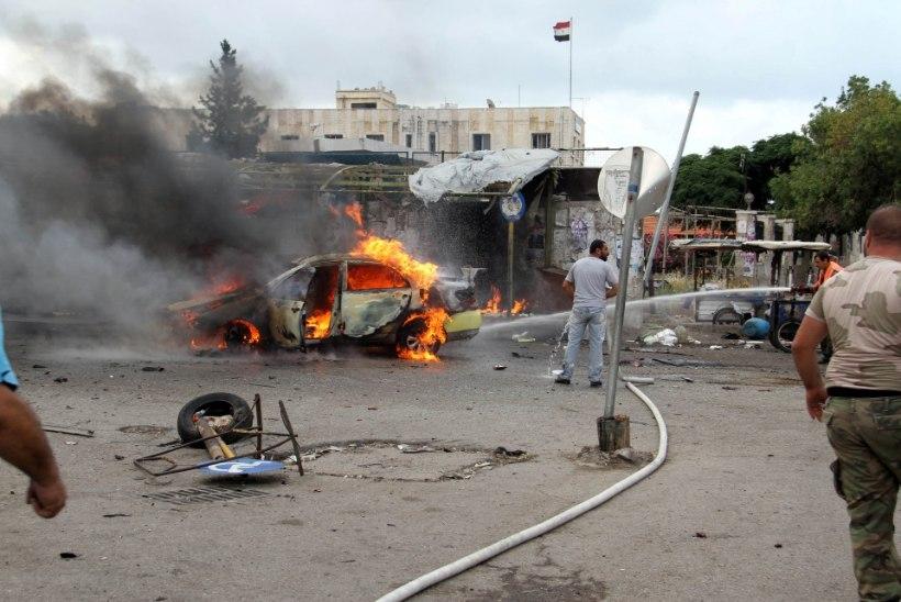 FOTOD | Islamiriigi pommarid ründasid Süürias valitsuse tugipunkte
