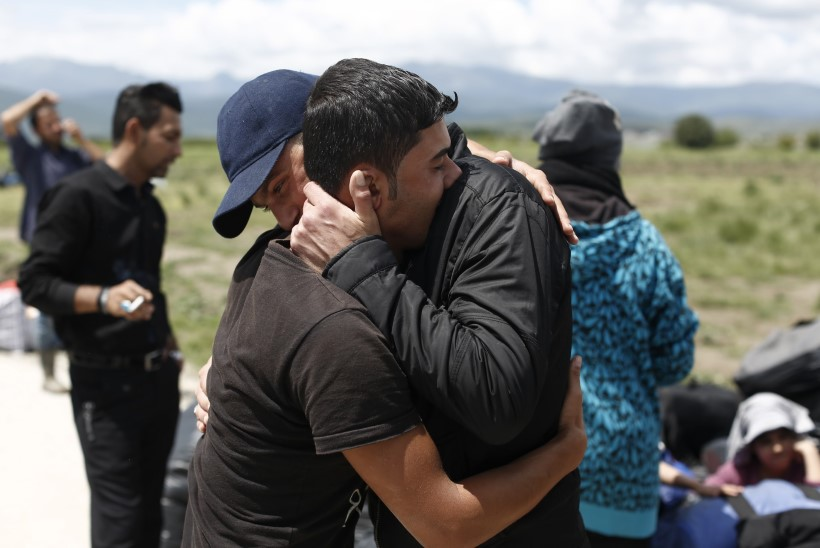 Kreeka evakueerib migrandid Makedoonia piiri äärest