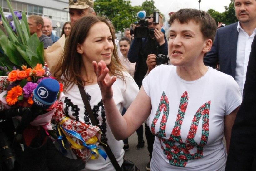 Lõpuks ometi! Nadia Savtšenko vahetati kahe Vene luuraja vastu
