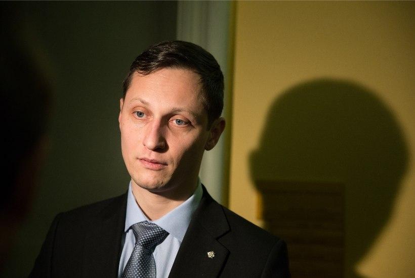 KRIMINAALASJA EI TULE: prokuratuur ei suutnud tõestada, et riigikogulane Dmitrijev polnud saatuslikul ööl autot roolides kaine