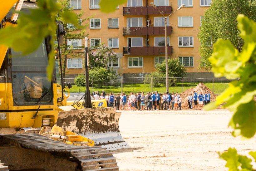 Tiiriku jalgpallisaapad läksid Sepa staadioni nurgakivisse