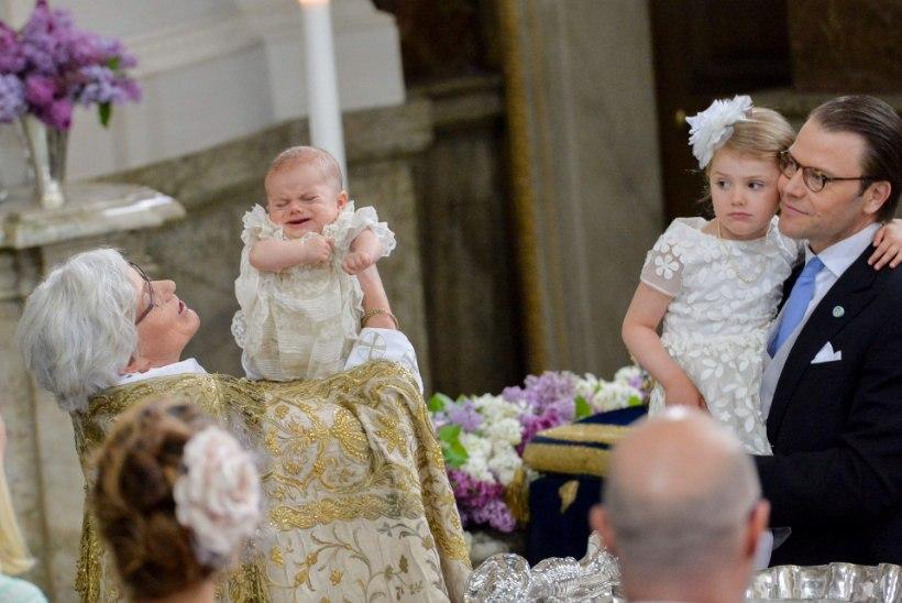 Prints magas pea kogu ristimise aja