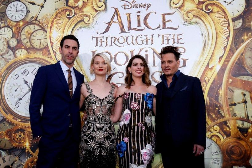 Alice peab uues filmis võitlust Aja enesega