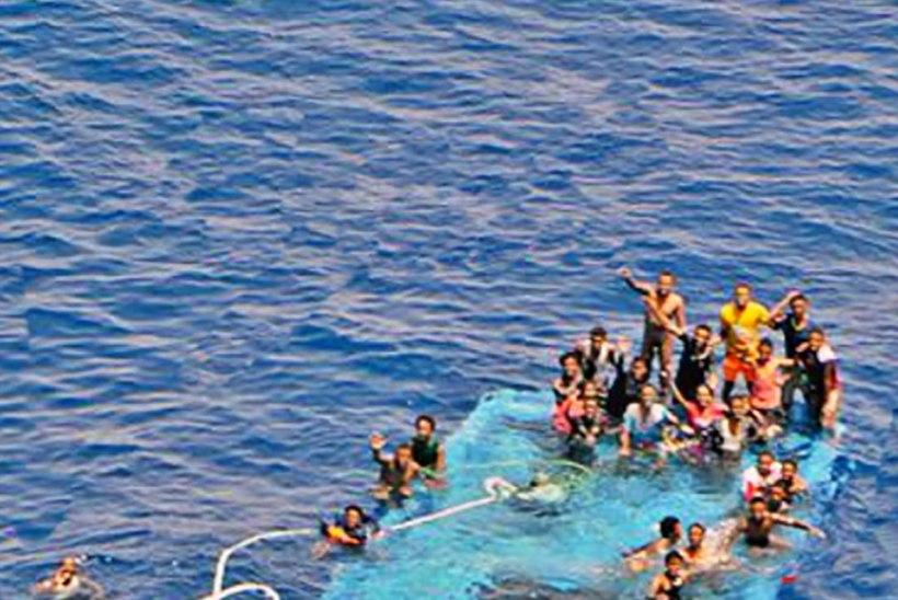 Liibüa lähistel läks põhja põgenikelaev, leitud mitukümmend surnukeha