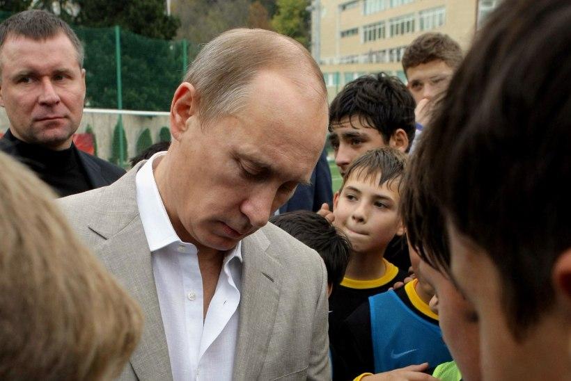 Putini sünnipäevadele kavandatud Eesti - Venemaa jalgpallimatšid võivad ära jääda