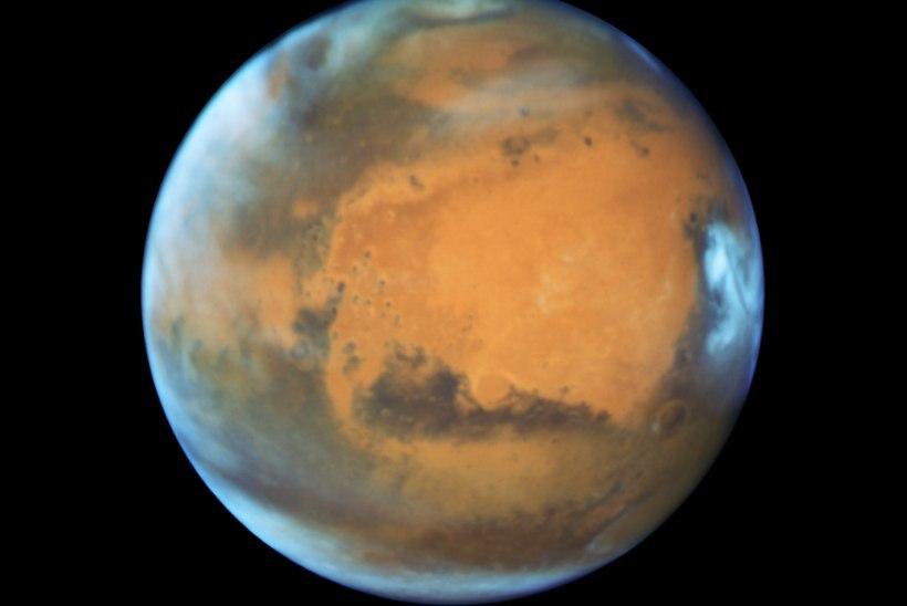 Marss jõudis Maale harukordselt lähedale