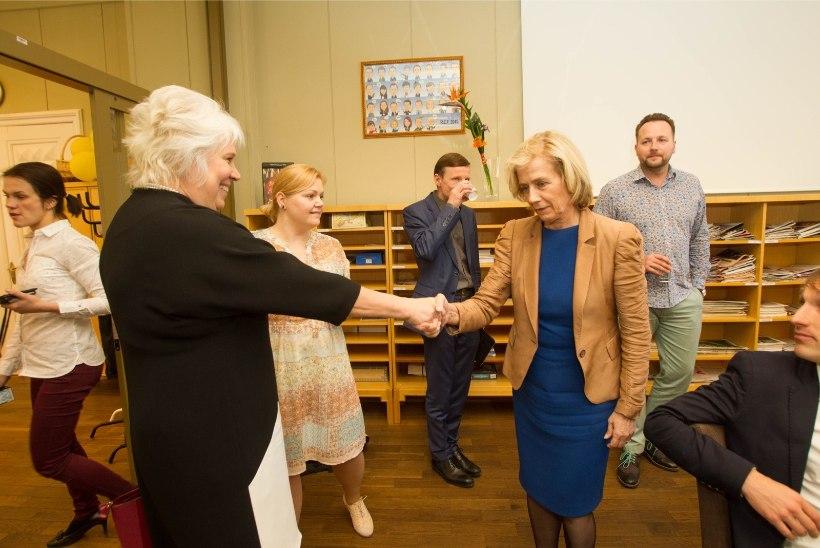 Esindate eestivenelasi? Marina Kaljurand: Ma olen Eesti kodanik. Loodan, et mind toetavad kõik meie inimesed