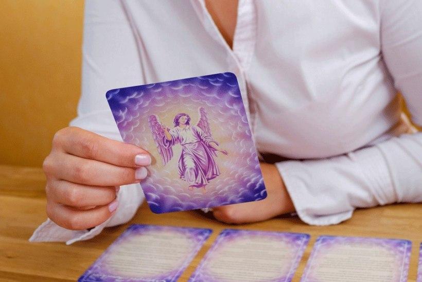 Ennustamine inglikaartidega ja inglite sõnum maikuuks