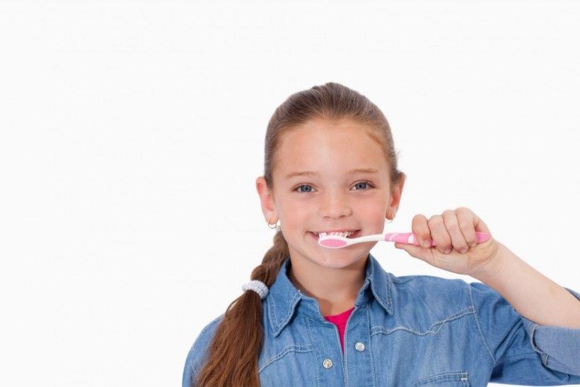 Seitse kavalust, kuidas hambapesu lapsele meeldivaks muuta