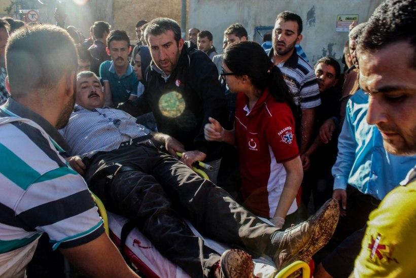 Süürias hukkus põgenikelaagrile tehtud õhurünnakus ligi 30 inimest