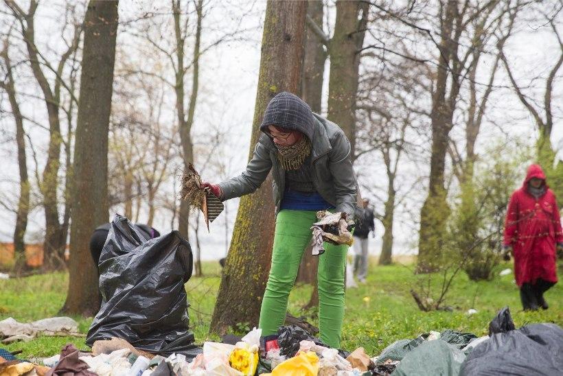 Teeme ära! | Väätsal leidis ema koristustööde käigus poja terve aasta kadunud olnud rahakoti!