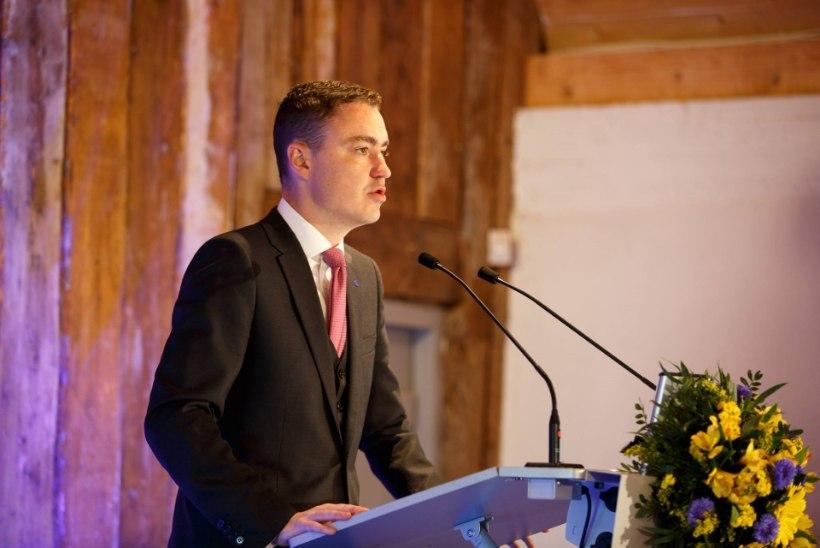 Rõivas: liitlaste kohalolu Eestis peab kinnistuma NATO püsivaks poliitikaks