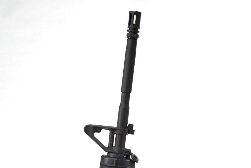 Poolautomaatne relv AR-15 – massimõrvarite parim sõber