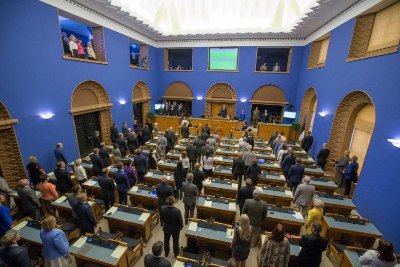 Heinale! riigikogu tegi presidendi valimisteni saali tühjaks