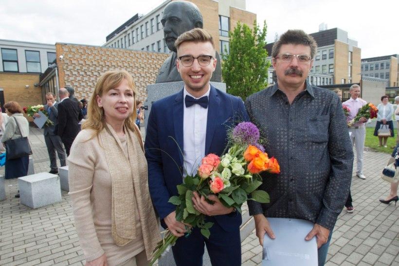 ÕHTULEHE VIDEO JA GALERII | Kraadi võrra kangem: Artjom Savitski sai magistrikraadi