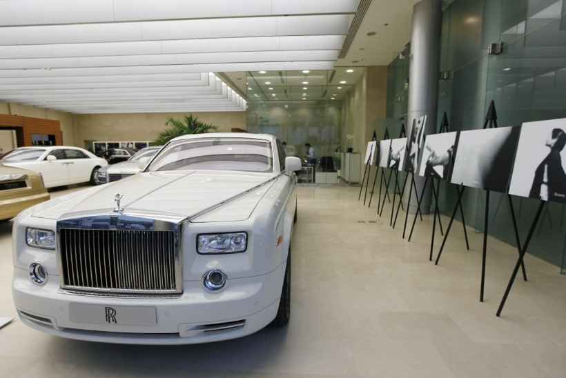 Eesti rikkurid on hellitanud end tänavu kokku 34 ülikalli luksusautoga