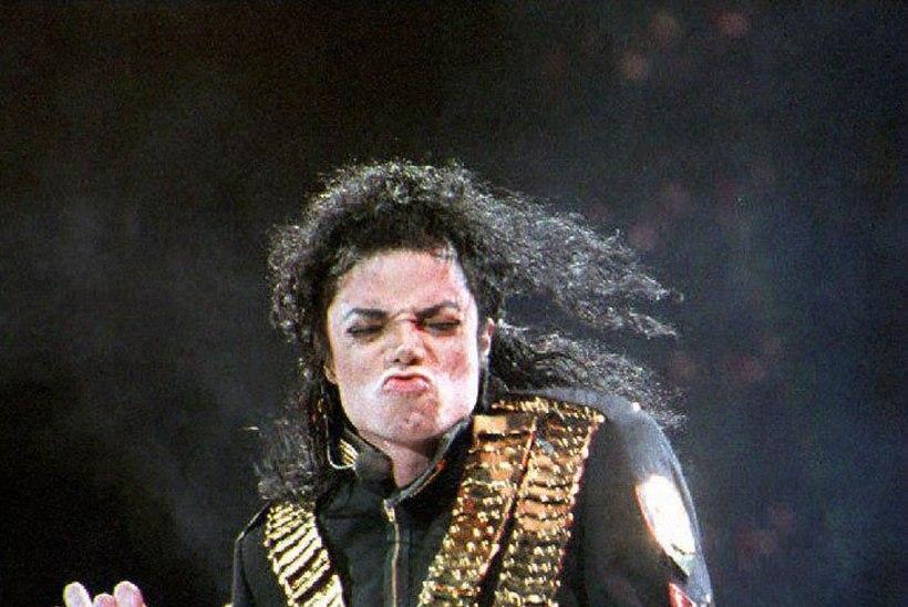 Michael Jacksoni rantšost leiti hulgaliselt lapspornot