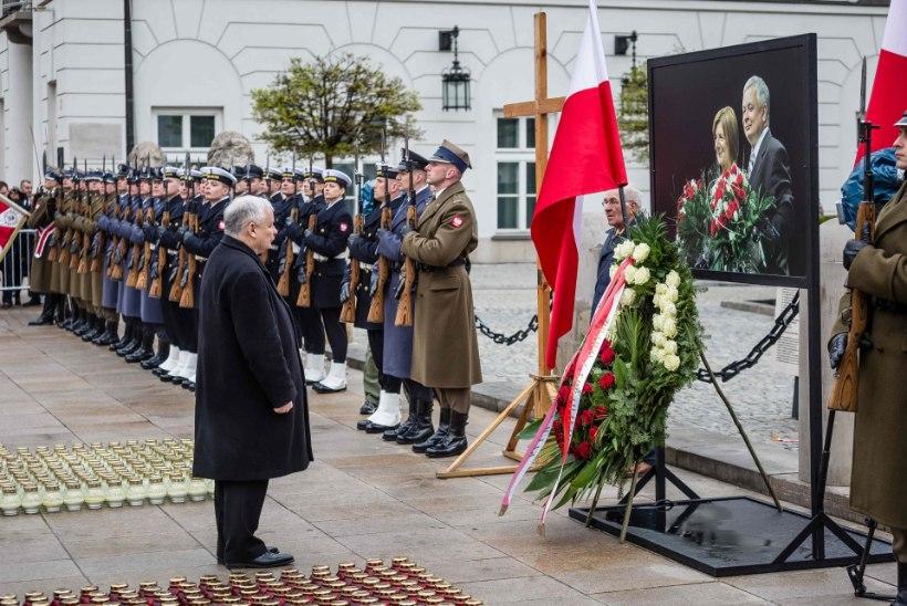 Poola laseb Smolenski lennuõnnetuses hukkunute surnukehad üles kaevata