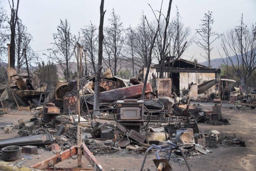 GALERII   California maastikupõlengus on hävinud vähemalt 150 kodu