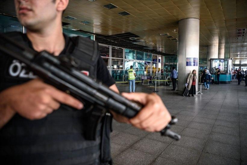 Türgi politsei on vahistanud 22 inimest, neist kolm on pärit Venemaalt, Usbekistanist ja Kõrgõzstanist