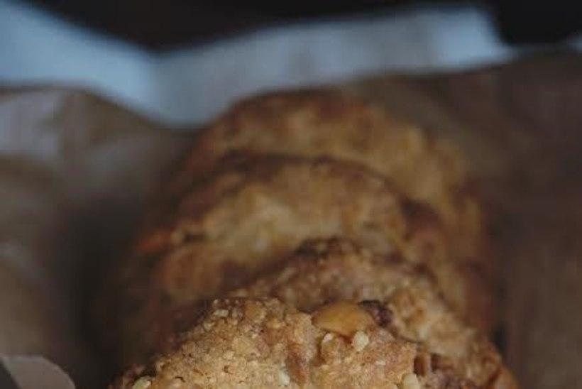 Sulab suus! Makadaamiapähkli ja valge šokolaadi küpsised