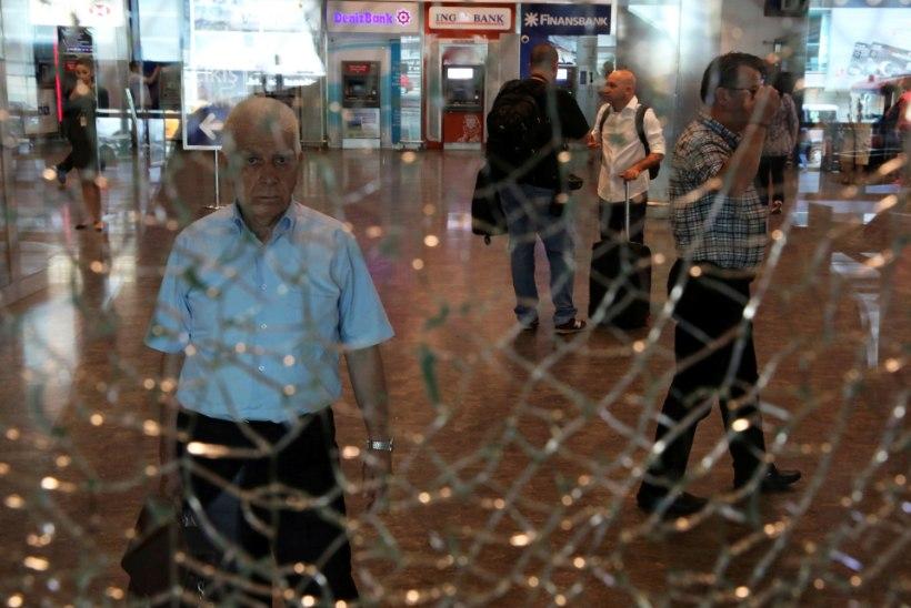 Türgi valitsus: Istanbulis hukkus 42 inimest, terroriste oli kolm