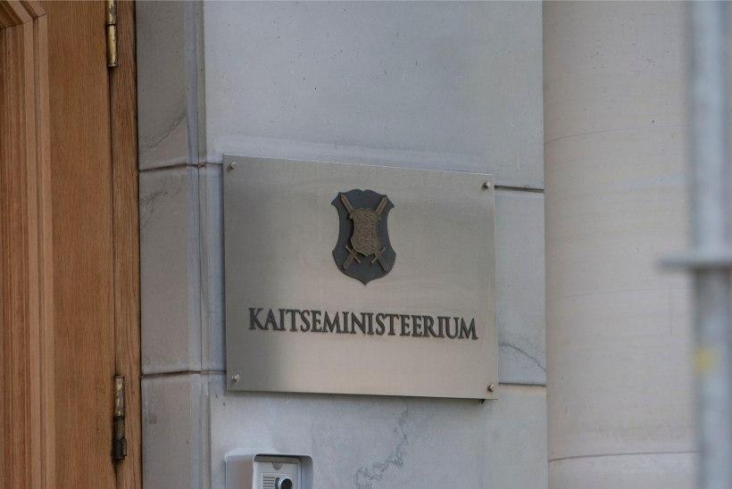 Kaitseministeeriumi juhtkond kahaneb kulude kokkuhoiuks