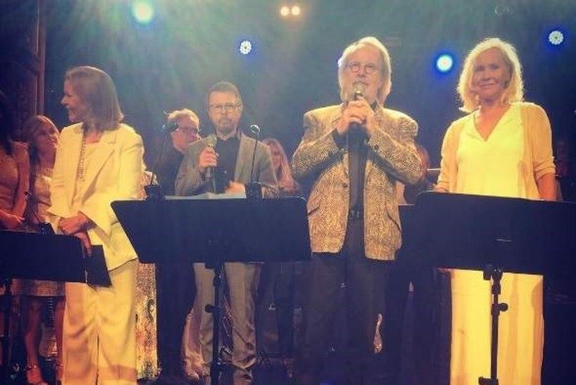 ABBA liikmed astusid taas koos lavale