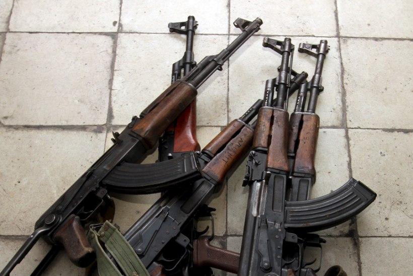 Poola-Ukraina piiril peeti kinni relvakoormaga prantslane, kes kavandas jalgpalli EMil massirünnakuid