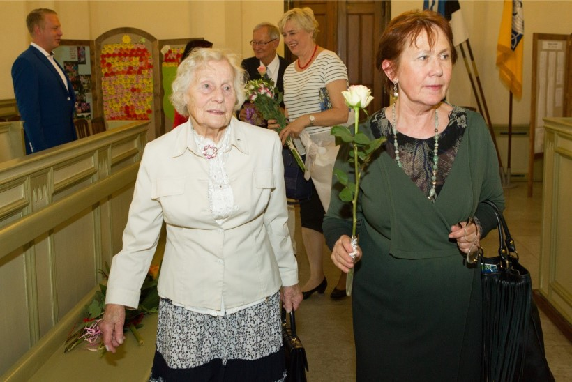 GALERII | Mari-Ann ja Tunne Kelam tähistasid Jaani kirikus oma 150. sünnipäeva