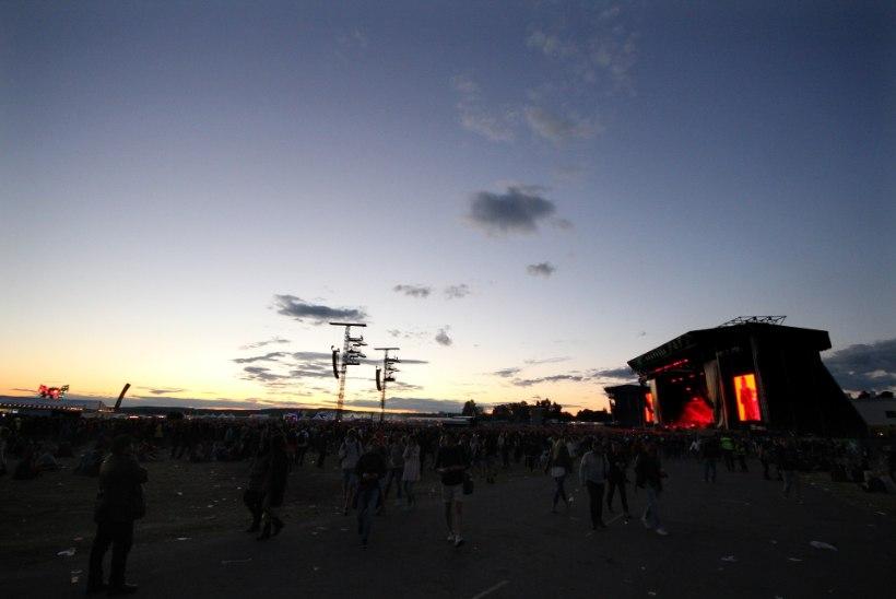ASJAD HULLUD: Rootsis vägistati naine festivali kontserdi ajal otse lava ees