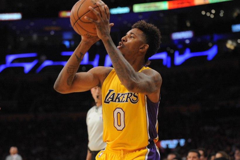Übervolüümika ahtriga popstaar jättis NBA mängija maha, sest too tegi oma eksi jälle rasedaks?