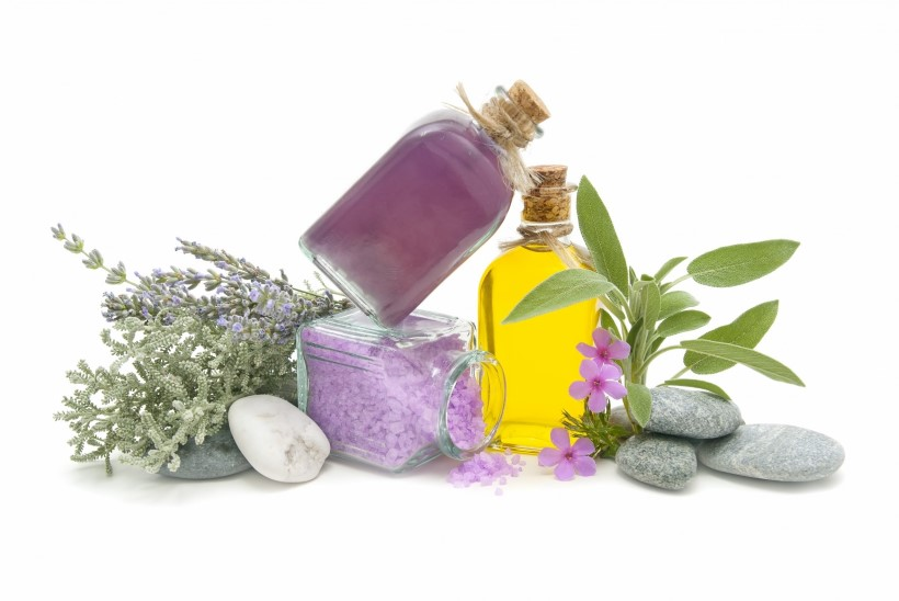 Üheksa eeterlikku õli, mis peaks suvel tervisele mõeldes käepärast olema