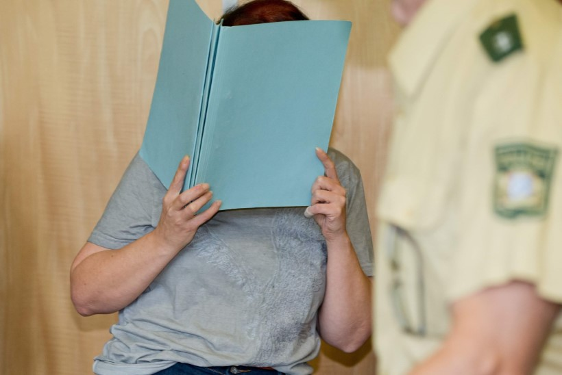 Andrea kodust leiti kaheksa beebi säilmed, eile astus naine kohtu ette