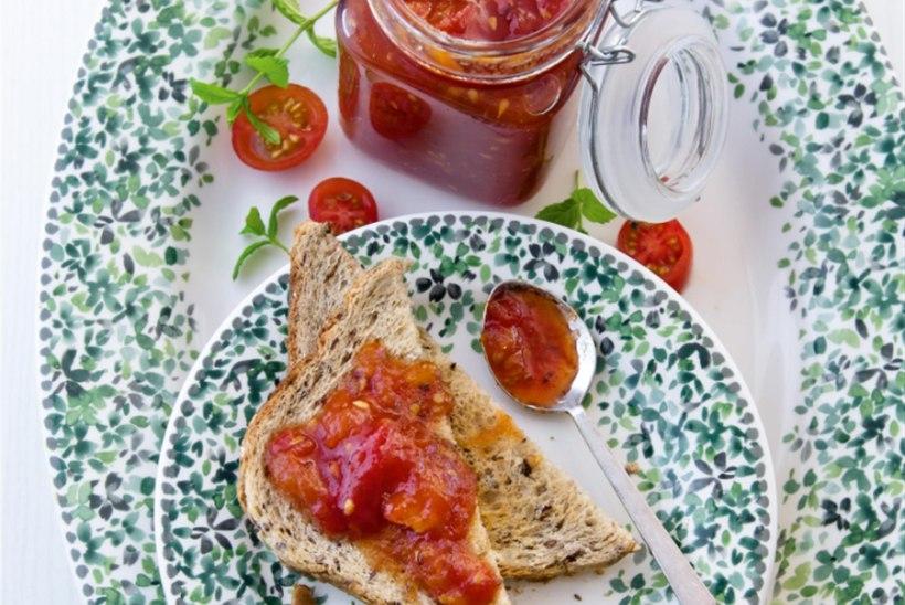 Vürtsine tomatimoos