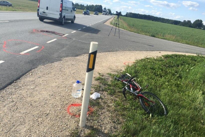 Adaveres hukkus jalgrattaga sõitnud naine