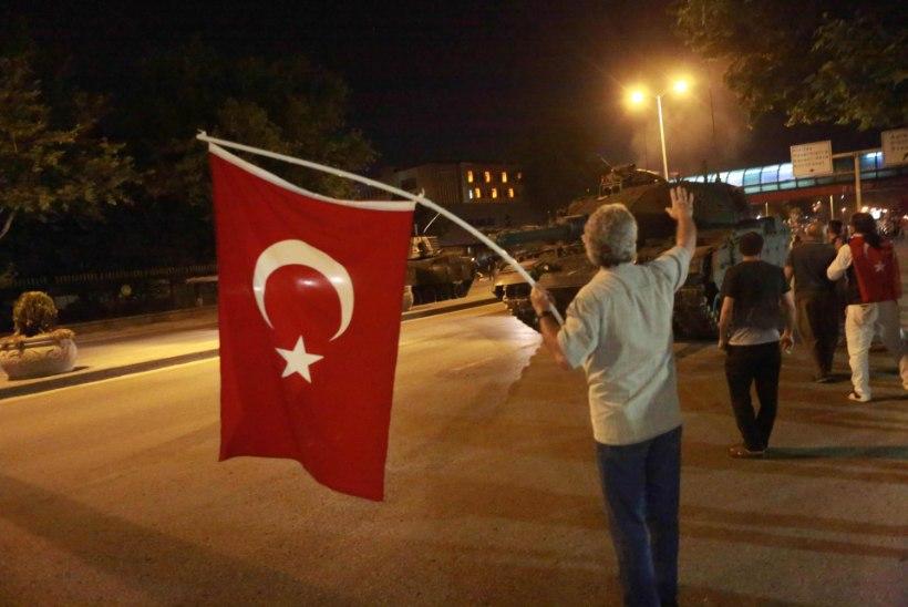ANNA ENDAST MÄRKU! Välisministeerium palub võtta ühendust neil, kellel pole õnnestunud Istanbulis ja Ankaras viibivate eestlastega ühendust saada