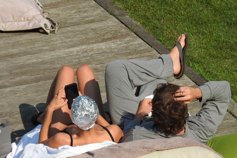 FOTOD | Supermodell puhkusel: stiilsed bikiinid ja fooliummüts