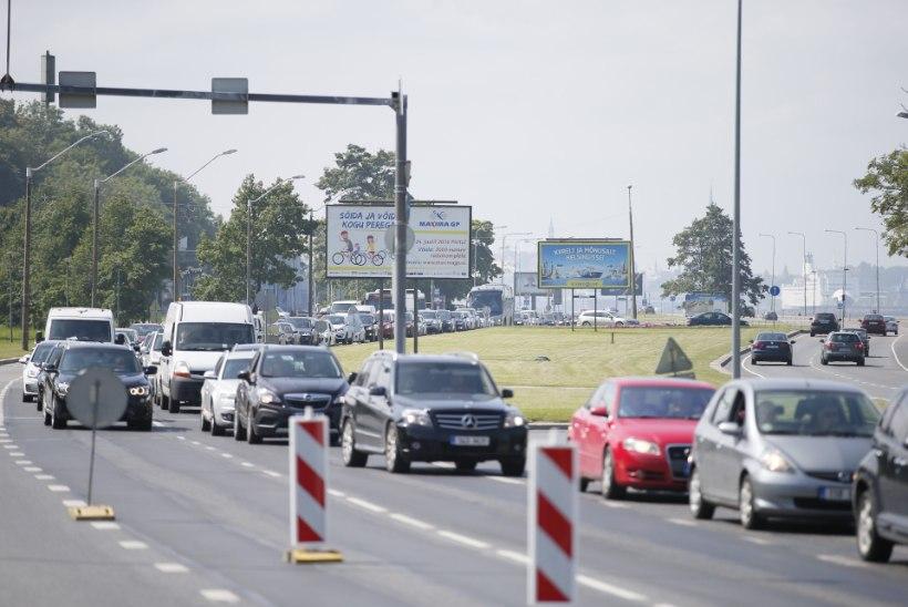 FOTOD | Rattavõistlus on Pirita teele tekitanud hiigelummiku