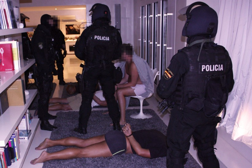 Poola multimiljonär kaubitses relvadega