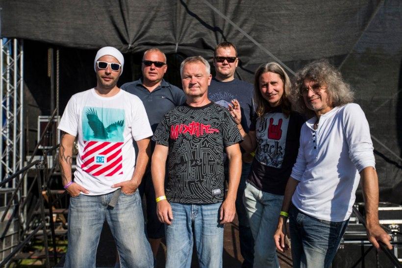 The Tuberkuloitedi 25 aastat: fännitarid on loopinud lavale aluspesu ja luuranud bändimehi!